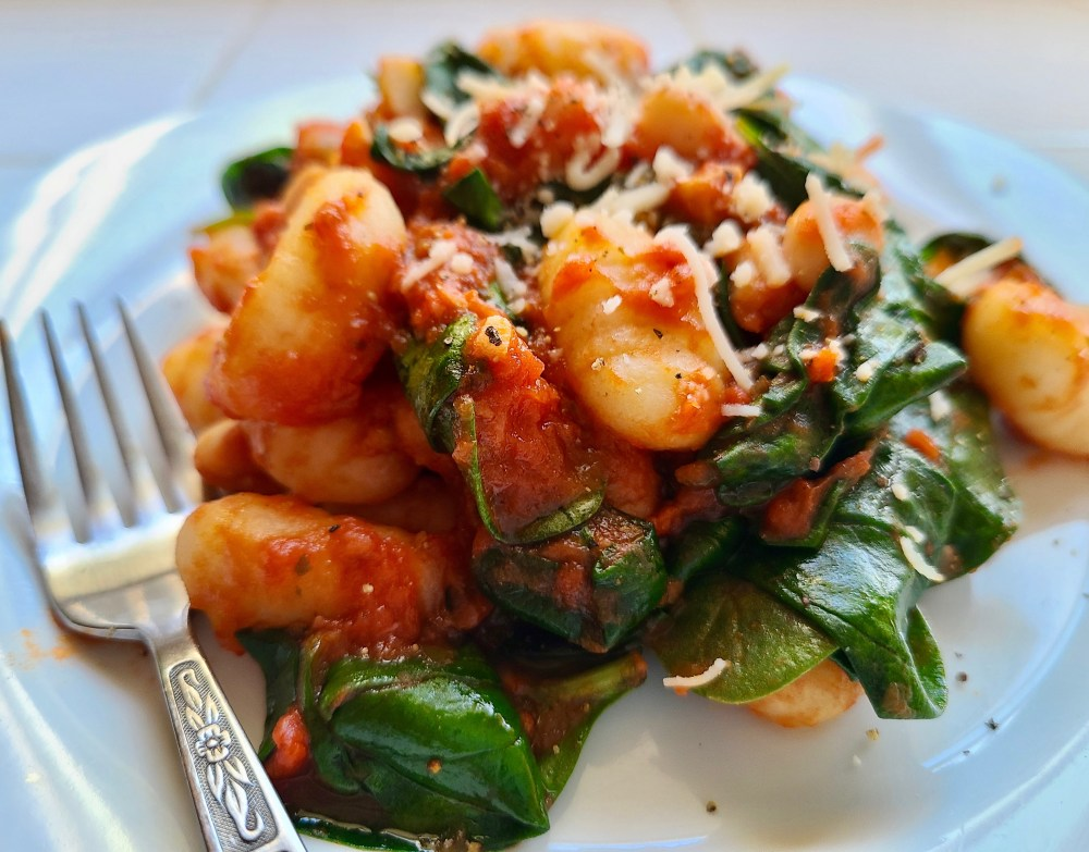 Vegan Gnocchi with Spinach and Tomatoes