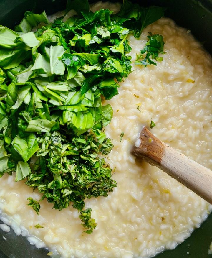 Vegan risotto zucchini