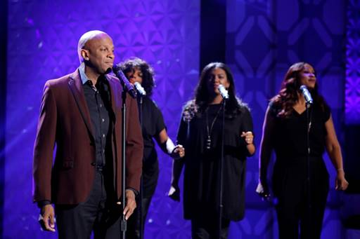 """Donnie McClurkin Stopped by THE REAL To Perform """"I Need You"""""""