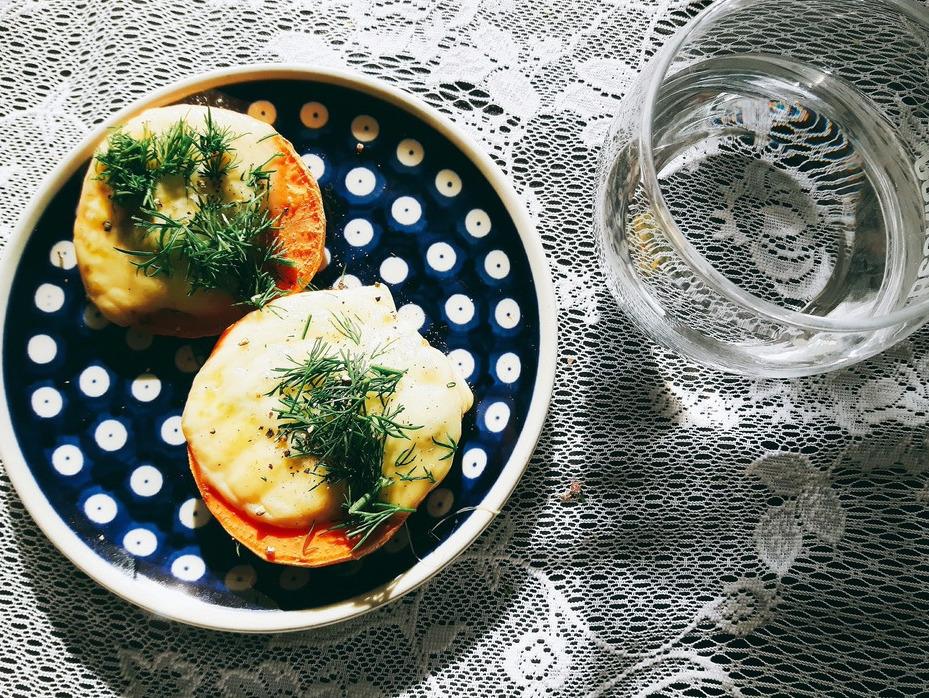 bataty z serem i pesto
