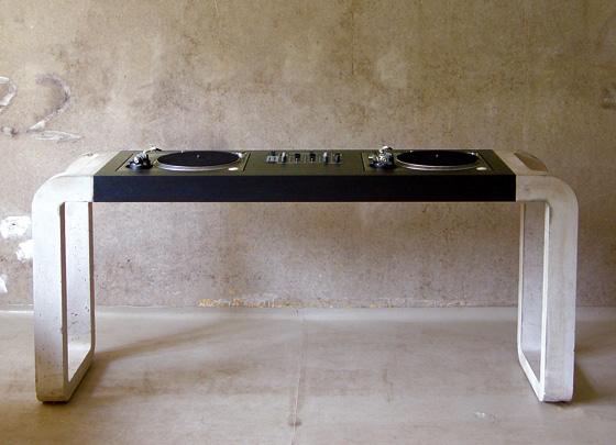 DJ Desk:Concrete