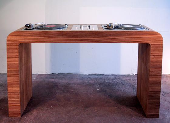 DJ Desk:Wood