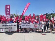Trabajadores del Transporte Sanitario en Castilla y León durante la concentración frente a las Cortes de Castilla y León en la jornada de huelga del 23 de junio