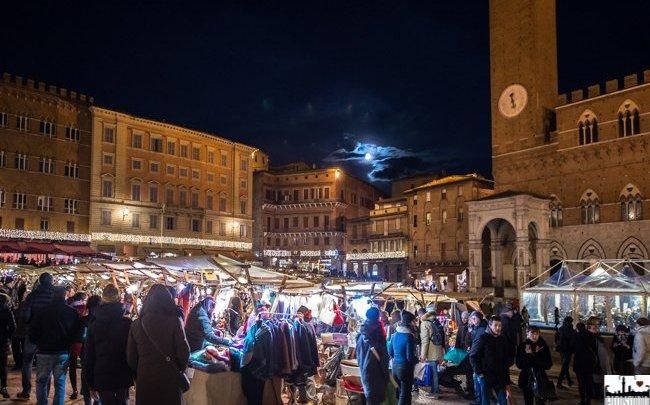 Il Mercato nel campo Siena