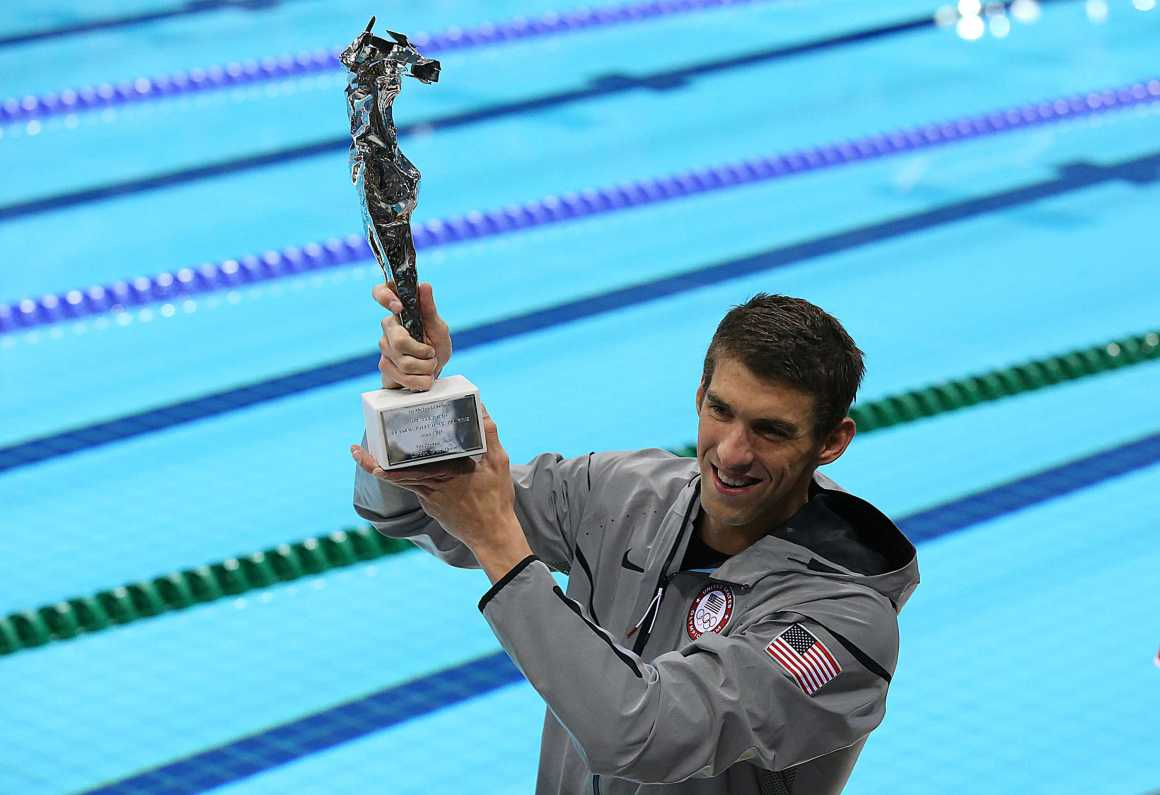 Michael Phelps takes steps to return to competitive swimming
