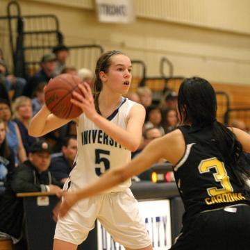 UHS Girls basketball team win first round of CIF