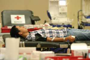 A student rests after getting his blood drawn.[Photo by Zilin Zhou]