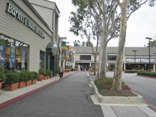 Don't Tear Down the Woodbridge Village Center