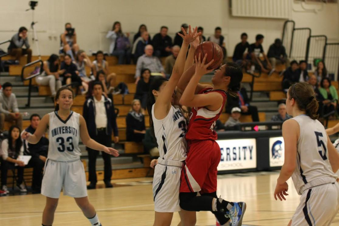 Girls basketball defeated by Beckman 30-44, holds 0-2 league record