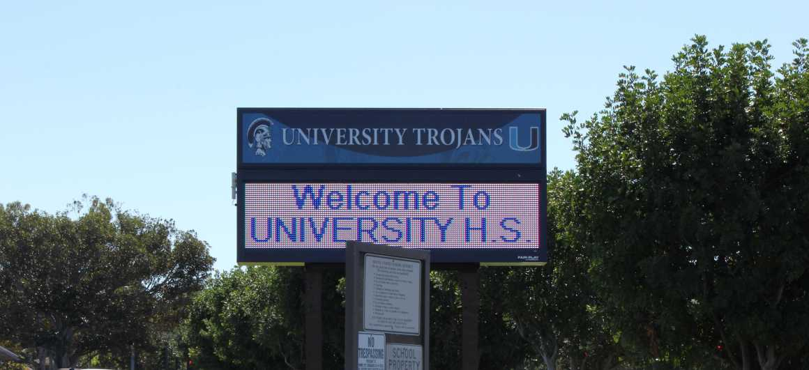 UHS installs new marquee over semester break