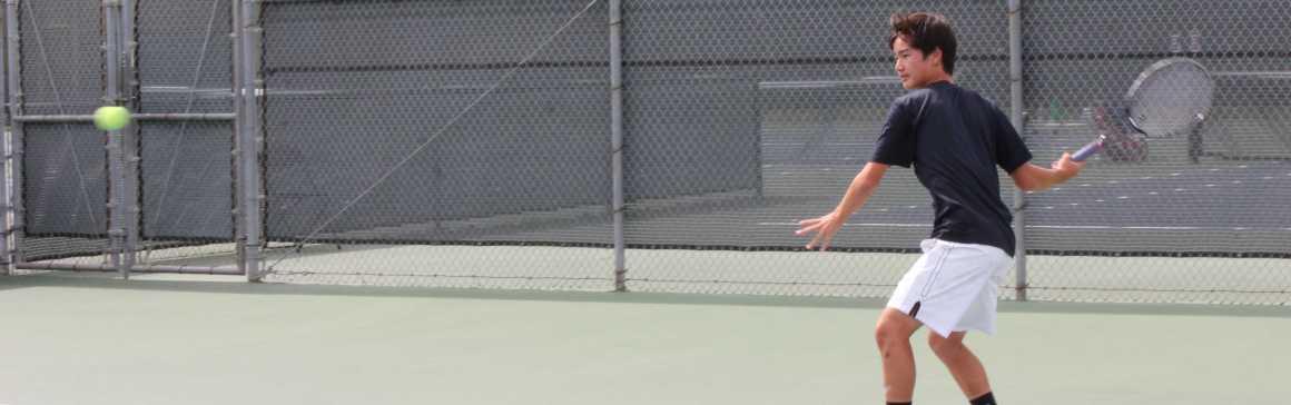 Boys tennis ends season 17-3 after defeat in CIF quarterfinals