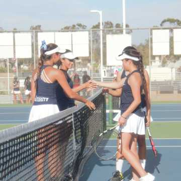 Girls Tennis fights on to defeat Northwood