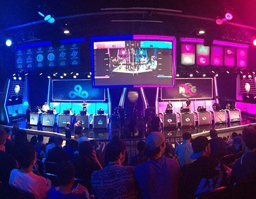 Taking gaming to the collegiate level: UCI hosts the grand opening of its eSports arena