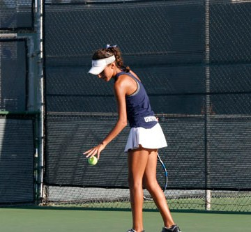 Girls Tennis suffers second defeat by Corona del Mar