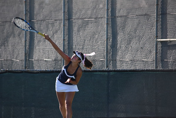 Girls tennis beats Woodbridge in rivalry week match
