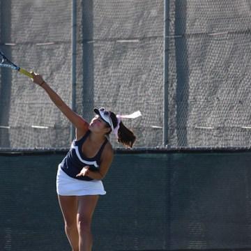 Girls tennis beats Woodbridge in rivalry week match