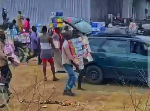 Hoodlums loot relief materials in llorin