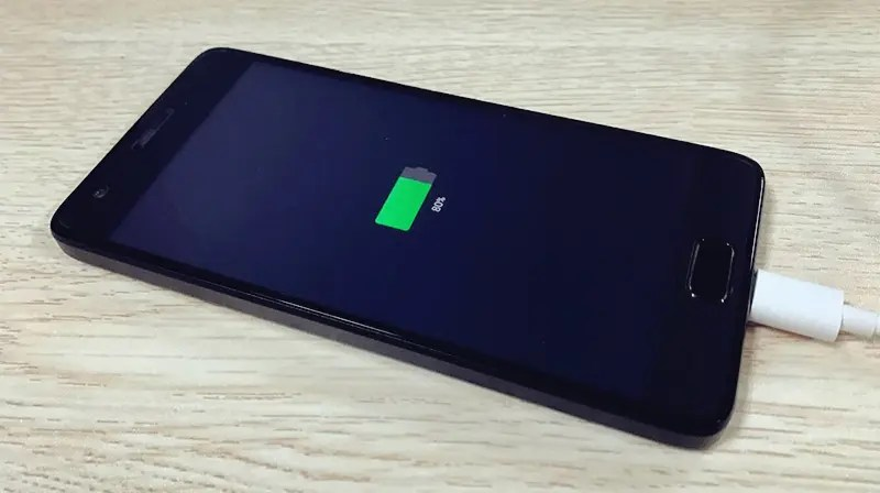 Plug your Android phone into a charge