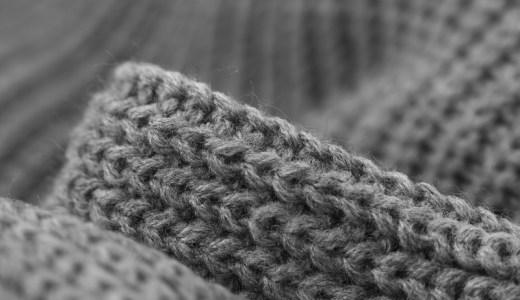 アームニッティングで作る簡単&オシャレなニット小物!腕編みのオススメ毛糸や編み方は?