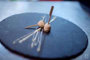 Heeren van Sonoy: Lolly van ganzenlever met witte chocolade en pistache