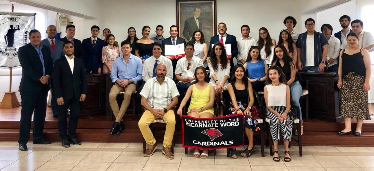Estableciendo alianzas en Panamá