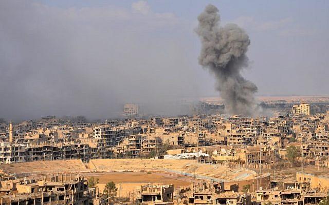 Damaszkusz Washingtont, Washington pedig Jeruzsálemet látja a rejtélyes szíriai bombázás mögött