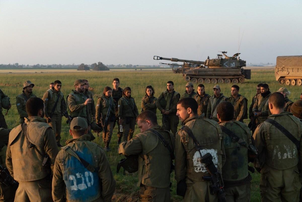 A rakétára válaszul az izraeli hadsereg támadásokat hajtott végre a Hamász terrorszervezet pozíciói ellen