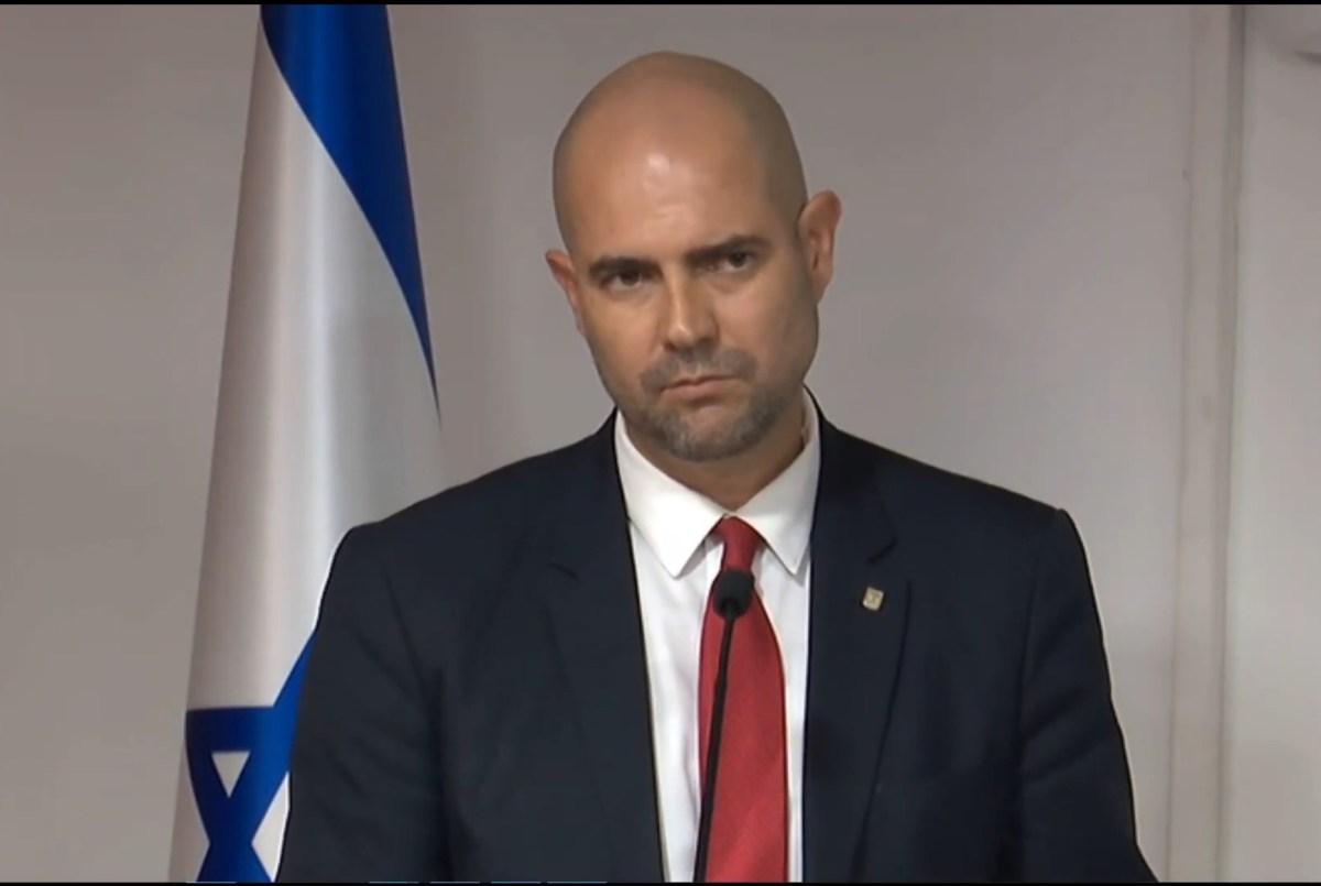 A távozóban lévő igazságügyi miniszter vizsgálatot szorgalmaz a korábbi államügyész ellen