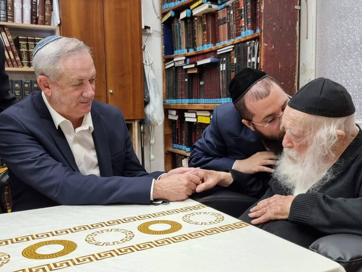 Gantz találkozott Kanievsky rabbival az ünnep előtt | Új Kelet online