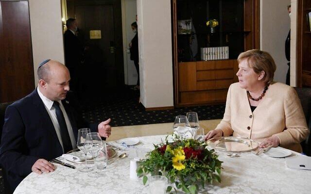 Bennett Merkelnek: A tengeralattjárók biztonsági szükségletek – szeretnénk teljesíteni a szerződést | Új Kelet online