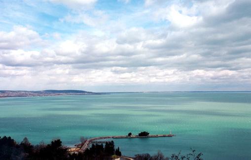 Egy balatoni utazás – újratöltve. Eötvös Károly könyvei a Balatonról