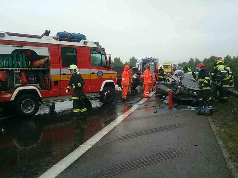 Három jármű ütközött a D1-es autópályán