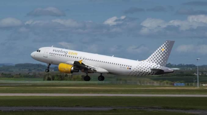Vueling A320 EC-KDX