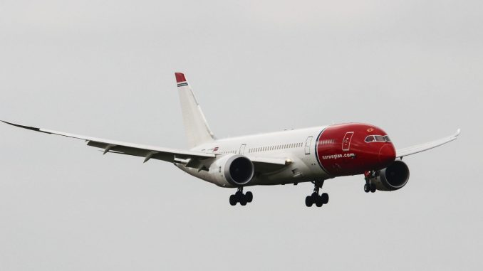 Norwegian LN-LNC on Approach to Cardiff Airport (Image: Aviation Media Agency)