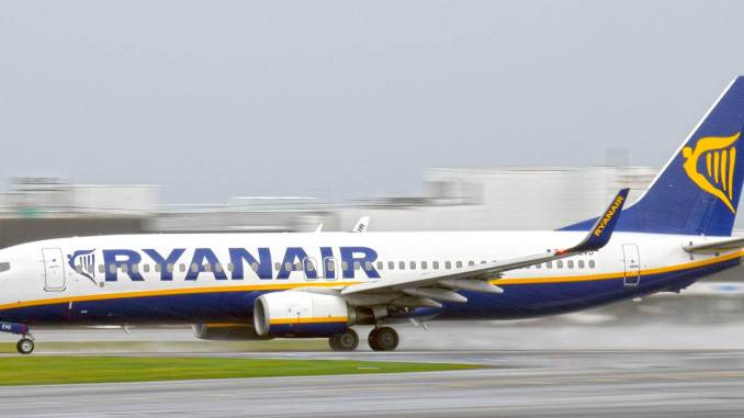 Ryanair 737 at Cardiff Airport (The Aviation Media Co.)