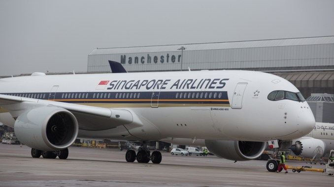 Singapore celebrates 1 year of the A350 at Manchester