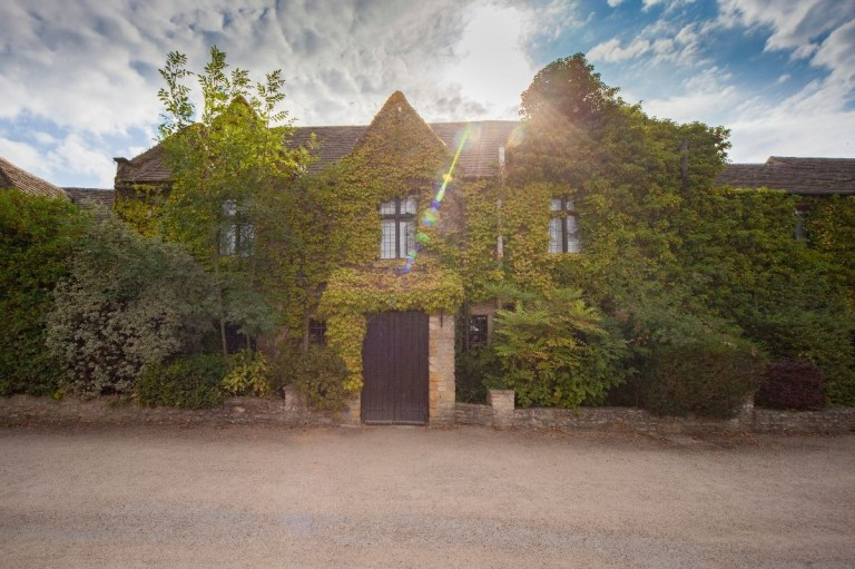 It's a typically beautiful Oxford venue and has 86 rooms for your guests!