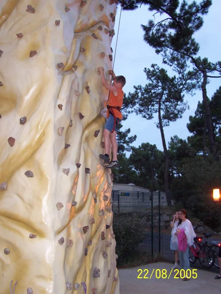 Bonne Anse Plage - rock climbing