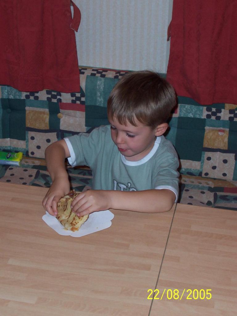 Bonne Anse Plage - boy eating a crepe