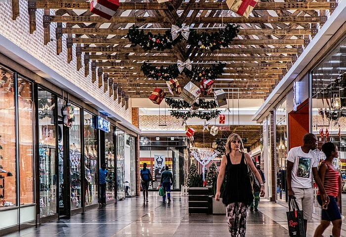 Consumer Survey Points To Busy Holiday Season