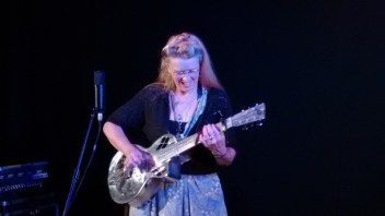 2015-09-02 Del Rey with Resonator Guitar IMG_20150902_204231549 blog