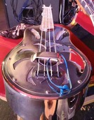 2015-09-02 Del Rey's Resonator Ukulele with strap thing blog