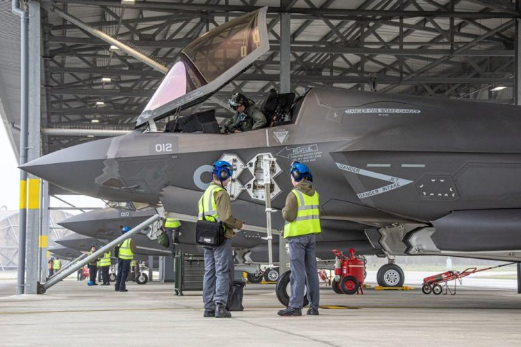 F-35 Lightnings take off for Exercise RED FLAG