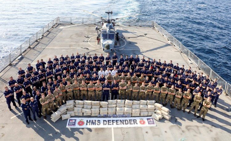 "HMS Defender seize tonnes of Cannabis ""Hash"" in the Indian Ocean"