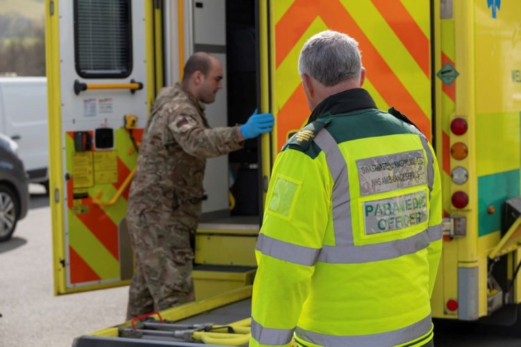Soldiers take the wheel at Welsh Ambulance Service