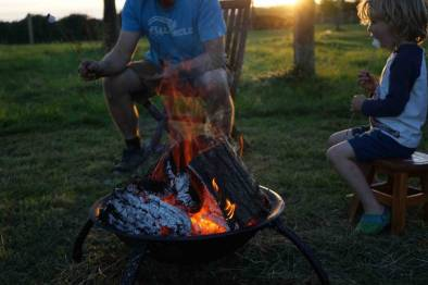Fire - Marshmellow eating