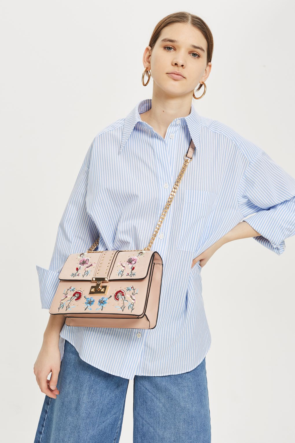 Check out these stylish and functional women's leather cross body bags!