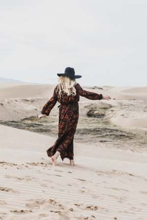 These are the cutest split leg maxi dress designs to try out!