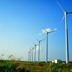 幌延町・オトンルイ風力発電所 ~風車が一直線に並ぶ圧巻の光景~