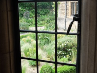 View into an Oxford garden
